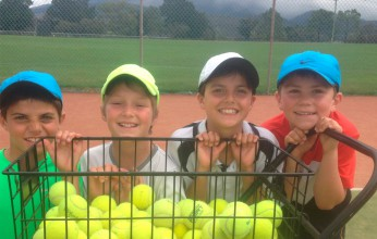 Medibank Junior Development Series players training